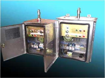 供操作高压隔离开关和接地开关之用, 可进行远方控制,也可就地电动
